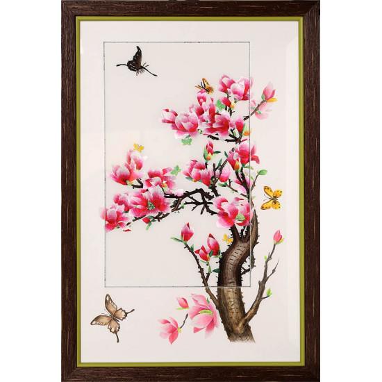 Картина вышитая шелком С подрисовкой Магнолия с бабочками  ручной работы