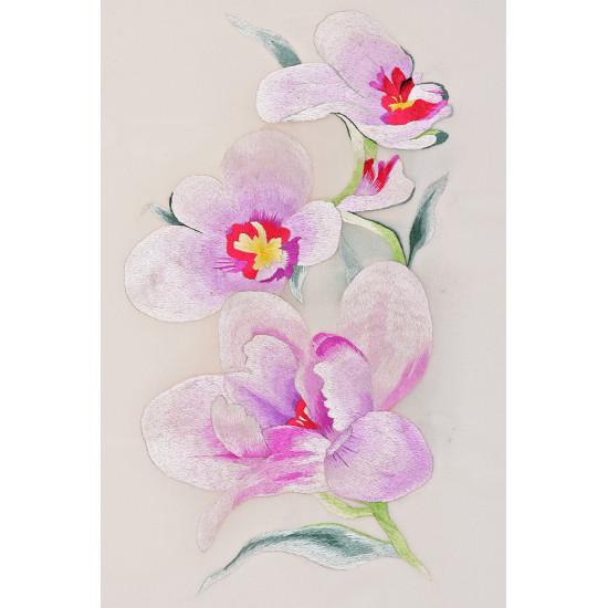 Картина вышитая Ветка нежной орхидеи ручной работы