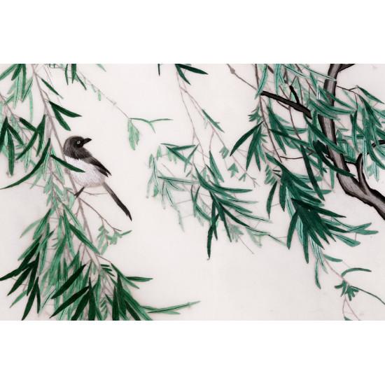 Картина вышитая шелком В изумрудных зарослях ручной работы