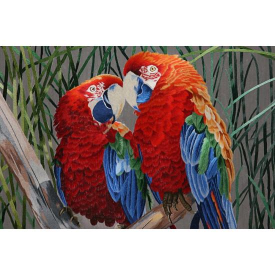 Картина вышитая шелком Любовь (попугаи) ручной работы