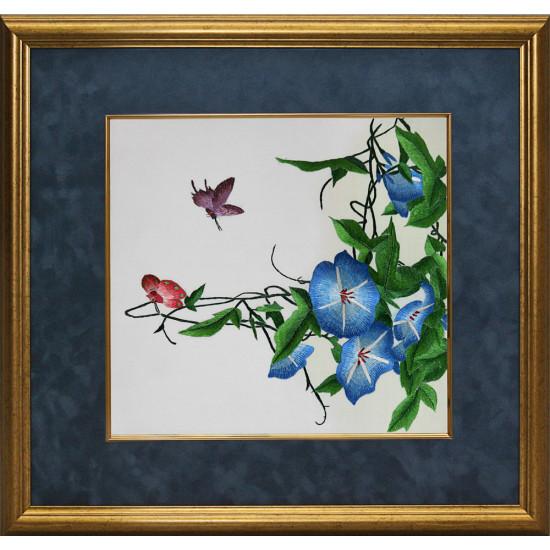 Картина вышитая шелком Ипомея с бабочками ручной работы