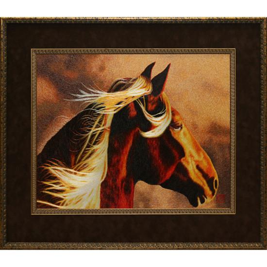 Картина вышитая шелком Ахалтекинец (авторская) ручной работы