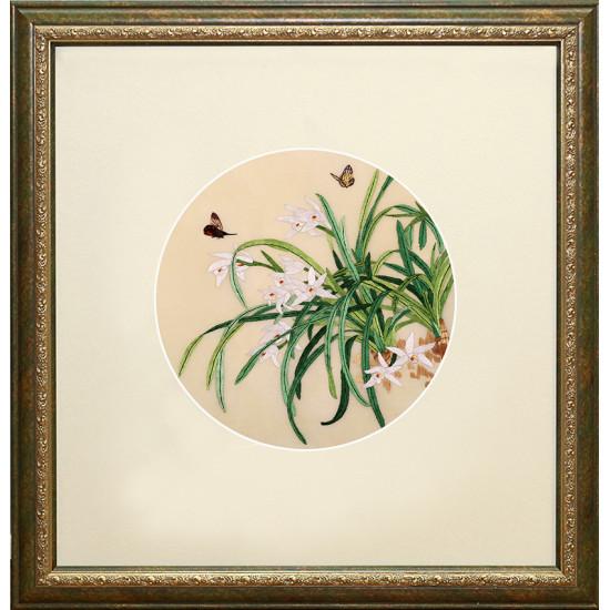 Картина вышитая шелком двусторонняя Лилейник в овале ручной работы