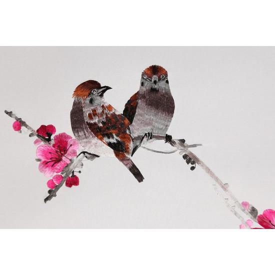 Картина вышитая шелком Весеннее щебетание ручной работы